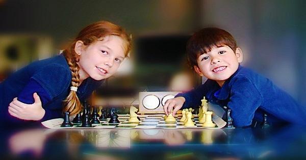 Học cờ vua làm cho trẻ thông minh hơn