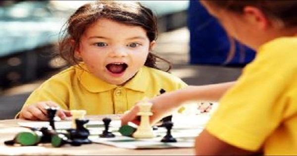 Dạy học cờ vua cho trẻ em, dạy trẻ chơi cờ vua, lợi ích cờ vua đối với trẻ em