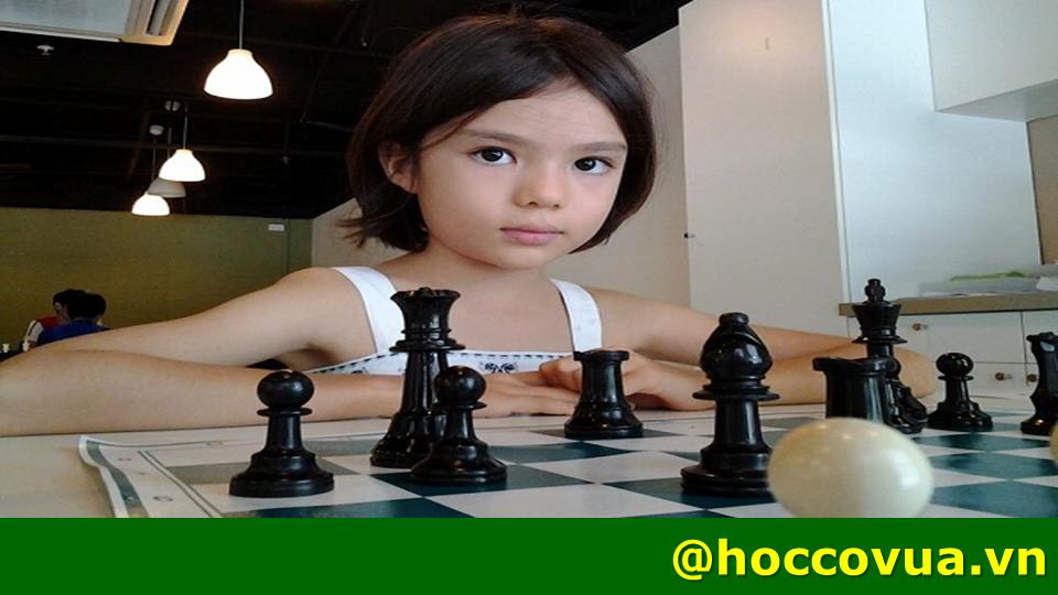 học cờ vua, địa chỉ học cờ vua chơi cờ vua Chơi cờ vua giúp trẻ thành công như thế nào? choi co vua giup tre thanh cong nhu nao